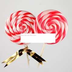 Red handmade lollipops 50g